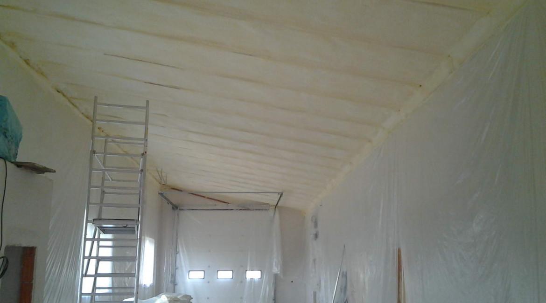 pěnová izolace stropu, zateplení stropu