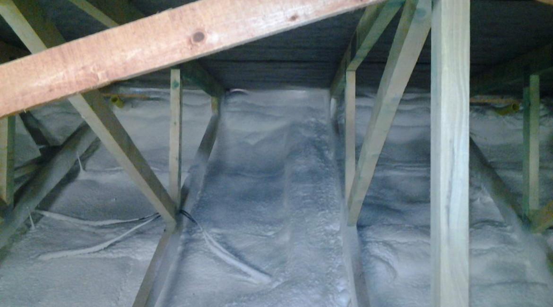 izolace podlahy - zateplení stropu bungalovu z vrchu